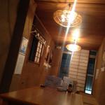 新宿牡蠣入レ時 - 2階の座敷席