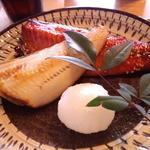 39309519 - 焼魚 ホッケとサバのみりん干し(2015.3月)