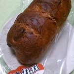 39316219 - クルミ入りライ麦パン  290円