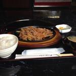焼肉 つどい - 牛バラ焼き定食650円 ご飯少なめ