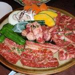 炭火焼肉味六 - トリプルカルビ・とろけます!南高梅の果肉で食べるとさらに美味