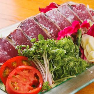 鰹の藁焼きタタキなどの、高知を代表するお料理も味わえます!!