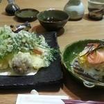39321584 - 天ぷらとちらし寿司