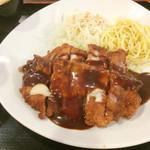 東京厨房 - デミチーズチキンカツ定食 960円