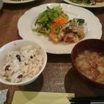 キラキラカフェ とねりこ - 今日のランチ