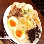 五十七代目 哲麺縁 - 料理写真:豚骨味噌 全部乗せ