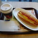 ファーストキッチン - モーニングセット(チーズドッグ+深煎りコーヒー(S))