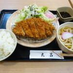 太呂 - 料理写真:トンカツ定食