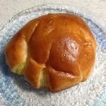 39334507 - クリームパン 180円(税抜)