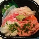 笹舟 丼丸 - おまかせ五種盛丼 ネタ大盛(756円)