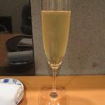 39337193 - G.H.マム ミレジメ2006 グラス2000円