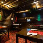 南国食堂ヤシの樹 - テーブル写真