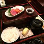 ぽろ ホームメイドキッチン - ランチは3種980yen/お刺身にしました。