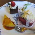 はせがわ珈琲店 - ケーキ盛り合せ