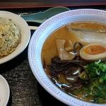 まるせいラーメン - 味噌&半炒飯