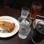 グリーンゲイブルス - アップルパイとドリンク