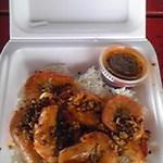 Romy's Kahuku Prawns & Shrimp - 名物のガーリックシュリンプ