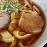 そば処義平 - 料理写真:手打ち中華 480円 津軽らしくお麩とチャーシュー、メンマ、ワケギが乗ります。