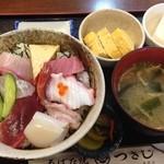 ろばた焼つきじ - 料理写真:海鮮丼