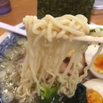 新宿めんや風花 - 縮れ麺。