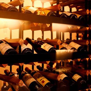 170種のワイン60種類のカクテルはあなたの最高の一杯の為に