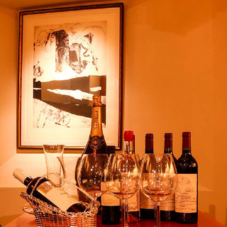 世界のワインと現代ヨーロッパ抽象画の巨匠CLAVEを味わう