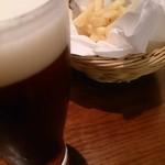 39356369 - フライドポテト&ビール(ハーフ&ハーフ)
