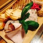高田馬場1丁目バル ウルスラ - お肉屋のシャルキュトリー盛り合わせ(1,480円)