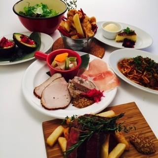 パーティーなどの肉宴会はフード2,000円コースからご用意!