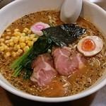 ラーメン歓 - 料理写真:味噌部長¥900+大盛¥100(麺固め)丼の直径25cm