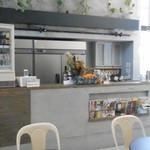ブランチキッチン - 入口横の喫茶スペース