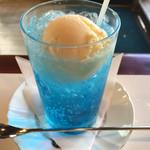 ワンモア - クリームソーダ(580円)