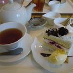れんげそう - ホットミルクティーとチェリーのショートケーキ