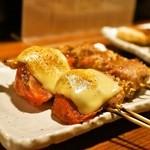 やきとん ま~ちゃん - 2015.6 肉巻きトマトチーズのせ(250円)、えのき肉巻き(210円)
