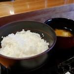 やきとり宮川 - ご飯・味噌汁