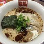 風風ラーメン - ばり黒豚骨(15.6)