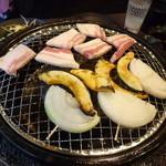 焼肉太郎 - サムギョプサル
