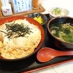 桂庵手打そばうどん - 2015年3月 かつ丼【880円】麺はそばで。