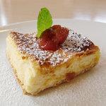 メルキュール カフェ - ベークドチーズケーキ