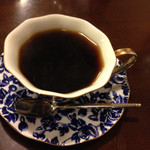 青山コーヒー舎 - ケーキやサンド等を頼んだ方はブレンドコーヒーが300円で注文出来ます。