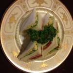 青山コーヒー舎 - サンドイッチはバイキングがあるとは言え 卵と野菜の、サンド750円を頼みました。