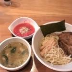 39382043 - 塩つけ麺 トマトのトッピング 870円也 スープが濃厚!