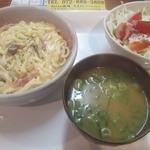 道楽酒場居酒屋 久 - 本日のランチ クリームうどん    ¥800円