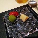 39384315 - 熟成パルミジャーノ ドライトマト 小豆島オリーブ