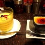 アジアン・ニューヨーク - Lunch Set Menuの「マンゴープリン/ココナッツプリン」