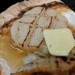 大磯 - 料理写真:活ほたてバター焼 680円