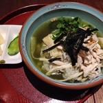 檸檬 - ぶぶ漬け(蒸し鶏と生湯葉、宇治抹茶だし) ¥700