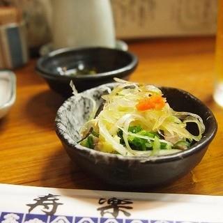 寿楽 - 料理写真:突き出し カツオのたたき(薬味たっぷり)