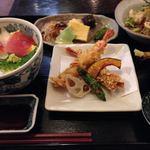 旬菜BUNKO 柚子庵 - 柚子庵セット おばんざい盛合せ、ジャコと湯葉のヘルシーサラダ、海老の二種揚げと揚げ野菜、海鮮丼、おしんこ