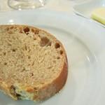 リュド コマンセ ナチュール - ライ麦パン